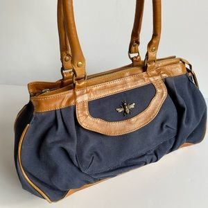 🎀SALE🎀 U0 canvas and leather bag